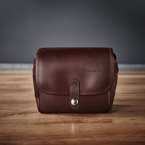 Oberwerth Frankfurt Cow hide - Dark brownLEICA, 라이카